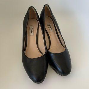 ~Clark's~ Black Heels